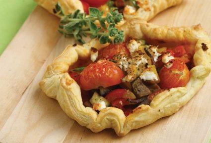 Ανοιχτές πίτες µε λαχανικά και τυρί κρέμα-featured_image