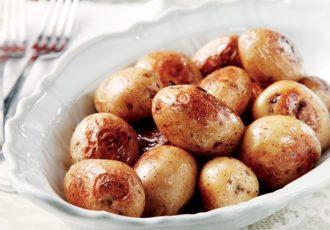 πατάτες φούρνου με δεντρολίβανο