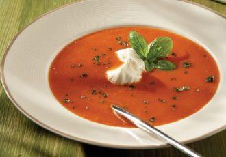 ντοματόσουπα βελουτέ με γιαούρτι
