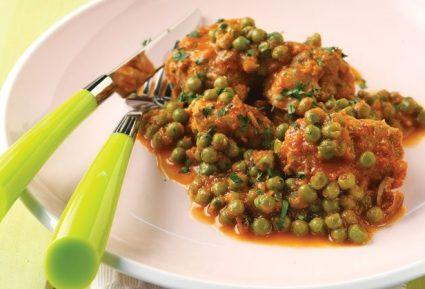 Χοιρινό µε αρακά και σάλτσα ντοµάτας-featured_image