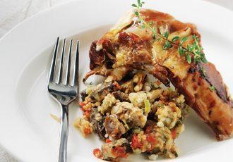 αρνί πατούδο συνταγη πασχαλινό αρνί γεμιστό με ρύζι και συκωταριά στο φούρνο