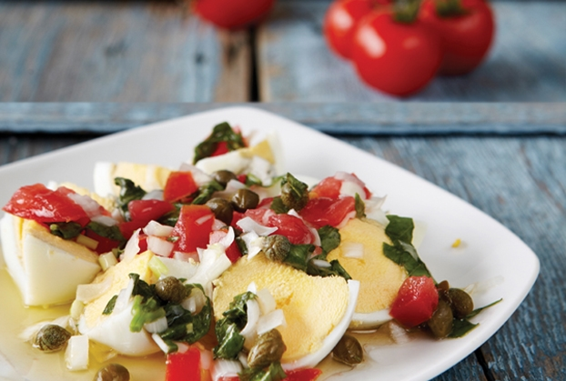 Σαλάτα με αυγά και ντομάτα