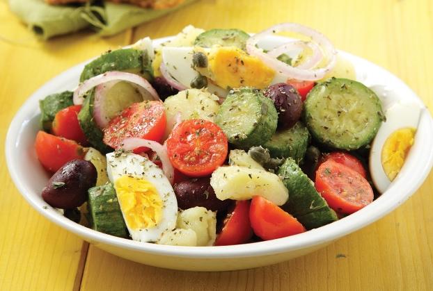Βραστά κολοκυθάκια σαλάτα