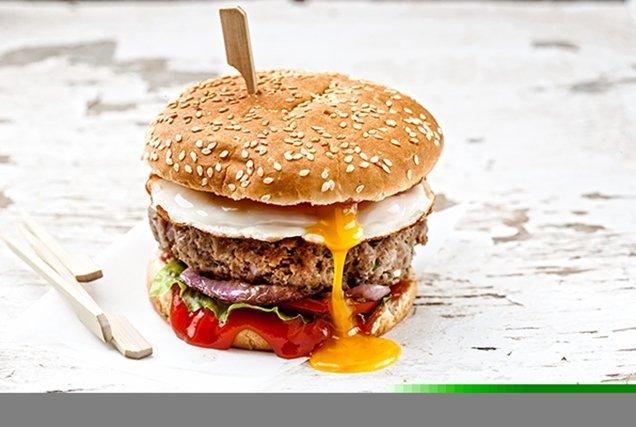 Burger θεϊκό με αυγό
