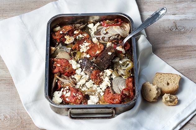 Μοσχάρι με λαχανικά και φέτα στο φούρνο