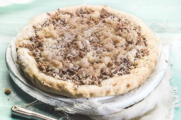ευκολη τριφτή μηλόπιτα κραμπλ (apple crumble) σαν ταρτα με ζυμη μπισκοτου συνταγη αργυρω μπαρμπαριγου