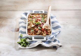 ζυμαρικά ολικής αλεσεως μα λαχανικα στο φουρνο συνταγη