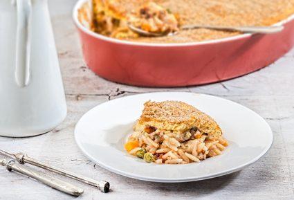 Γιουβέτσι με κιμά και λαχανικά με κρούστα γιαουρτιού-featured_image