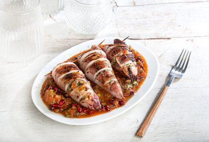 Καλαμάρια γεμιστά με κρύα σάλτσα ντομάτας, ρόδι και βότανα-featured_image