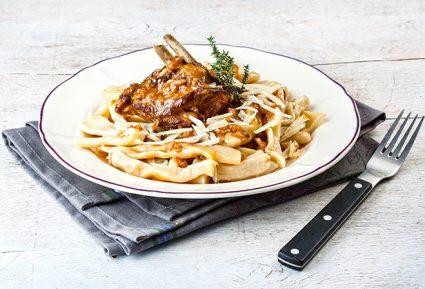 Kατσικάκι Μπρούσκο με σκιουφιχτά μακαρούνια και χαλούμι-featured_image