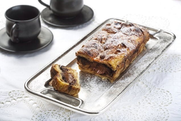 Κέικ κρουασάν με κομμάτια σοκολάτας