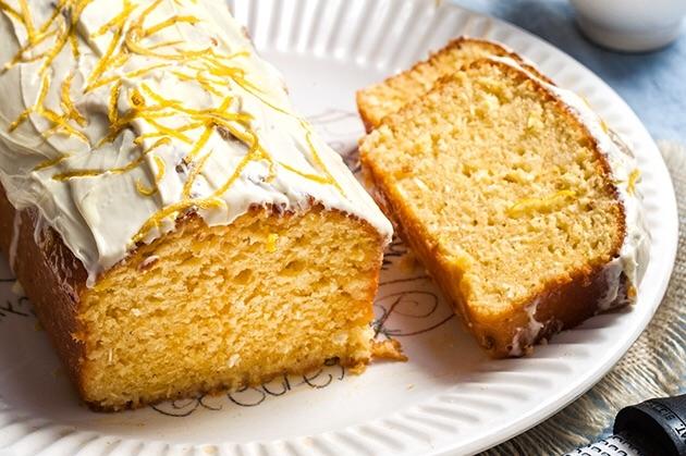Κέικ λεμόνι – καρύδα με γλάσο λεμονιού