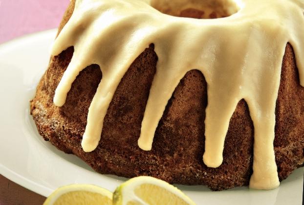 Κέικ λεμόνι με γλάσο και λεμονάδα