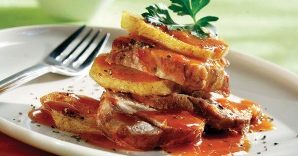 κοκκινιστό χοιρινό με πατάτες