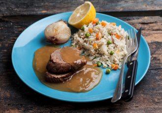 μοσχάρι λεμονάτο με ρύζι στην κατσαρόλα συνταγη μοσχαράκι κατσαρόλας