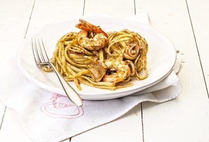 Λιγκουίνι με καλαμαράκια, γαρίδες και πέστο-featured_image