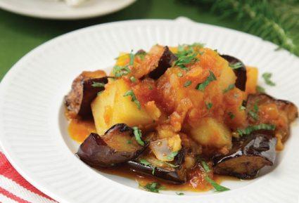 Μελιτζάνες με πατάτες κοκκινιστές-featured_image