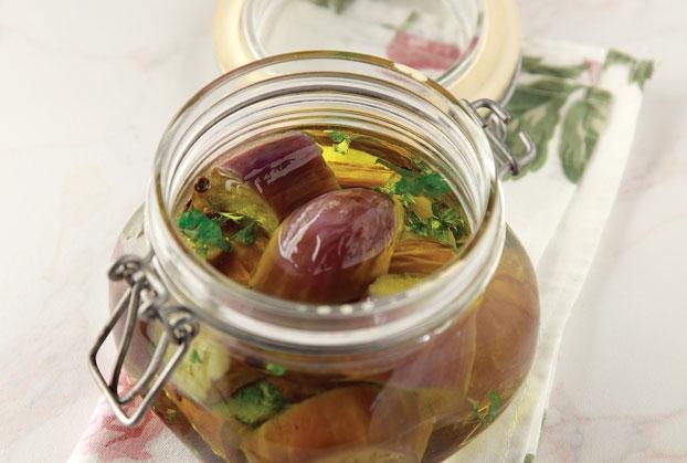 Μελιτζάνες τσακώνικες σε βάζο