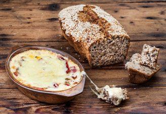 Μεθυσμένο ψωμί σε 5′ για βουτιές σε ζεστό ντιπ τυριού-featured_image