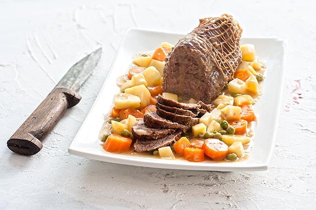 Μοσχάρι λεμονάτο με πατάτες και καρότα