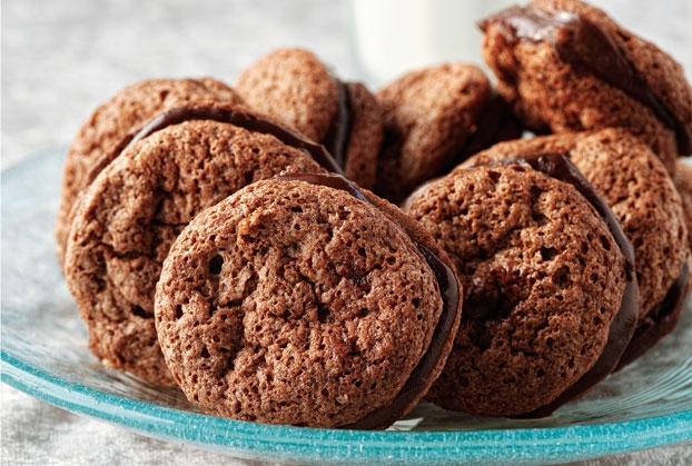 Μπισκότα με αμύγδαλα και σοκολάτα