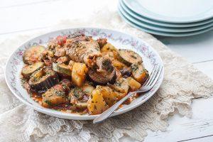 Μπουτάκια κοτόπουλο στην κατσαρόλα με λαχανικά-featured_image