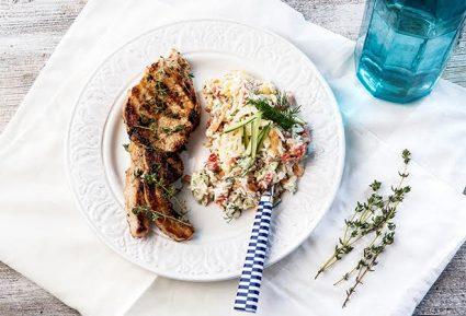 Μπριζολάκια χοιρινά ή μοσχαρίσια με καλοκαιρινή ρυζοσαλάτα-featured_image