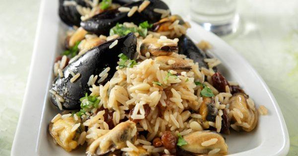 μύδια με ρύζι της Αργυρώς Μπαρμπαρί