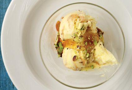 Παγωτό με ανθότυρο, μέλι και φιστίκια Αιγίνης-featured_image