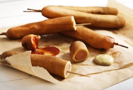 Party corn dog του George Howard-featured_image