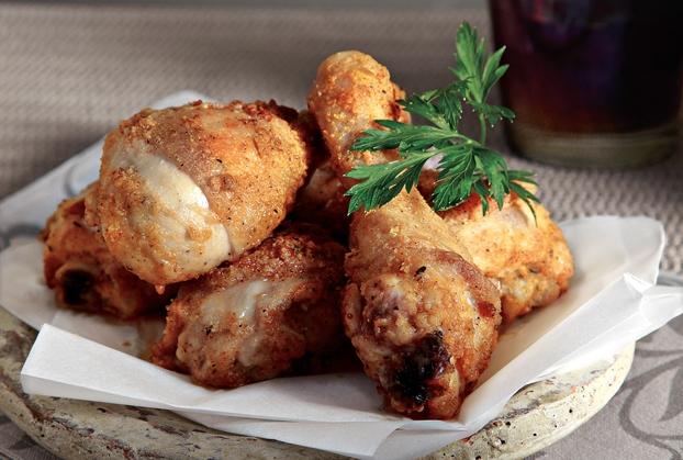 Πικάντικο κοτόπουλο πανέ με παρμεζάνα