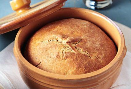 Ψωμί με μαύρη μπύρα στη γάστρα-featured_image