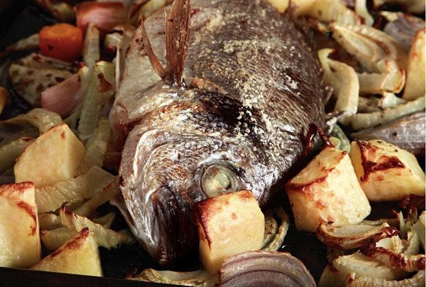 Σανπιέρος στο φούρνο με ψητά λαχανικά