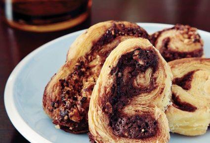 Σφολιατίνια µε σοκολάτα και φουντούκια-featured_image