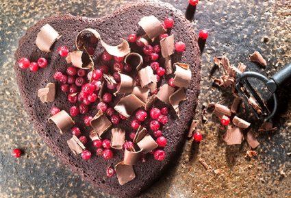 Σοκολατένια καρδιά με κόκκινα φρούτα-featured_image
