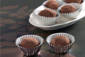 Εύκολα τρουφάκια σοκολάτας-featured_image