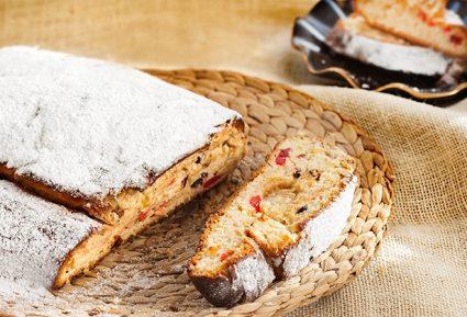 Stollen Χριστουγεννιάτικο γλυκό με πάστα αμυγδάλου-featured_image