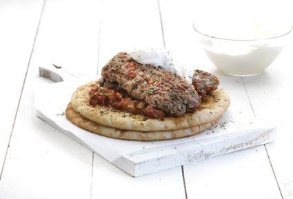 Κεμπάπ γιαουρτλού, με τέλεια σάλτσα εζμέ της Αργυρώς-featured_image