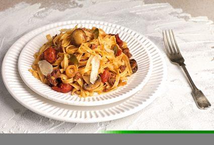 Ταλιατέλες με λουκάνικα, μανιτάρια και ντομάτα-featured_image