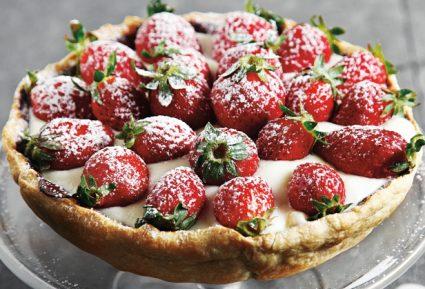 Τάρτα με κρέμα βανίλιας και φράουλες-featured_image