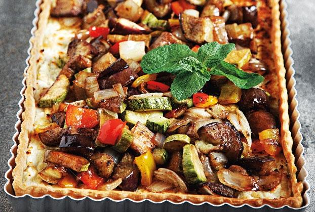 Τάρτα με ζύμη τυριού και ψητά λαχανικά