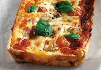 αλμυρή τάρτα με τυριά και ντοματίνια
