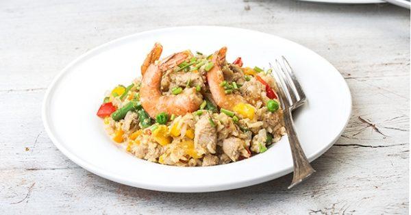 κινεζικο τηγανητό ρύζι με κοτόπουλο γαρίδες και λαχανικά συνταγη αργυρω