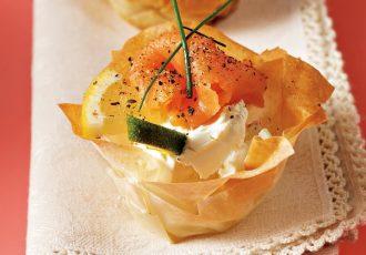 ορεκτικά με σολωμό τυρί κρέμα και φύλλο κρούστας