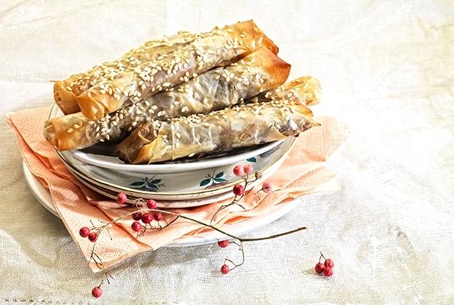 Τραγανά τσιγαρομπουρέκια με Χριστουγεννιάτικη γέμιση