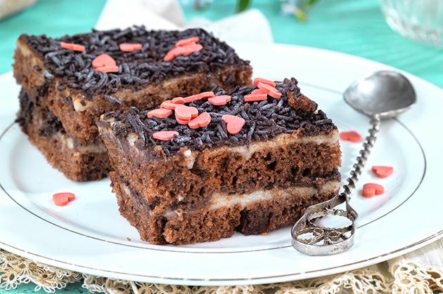Πάστα ψυγείου με κέικ σοκολάτας