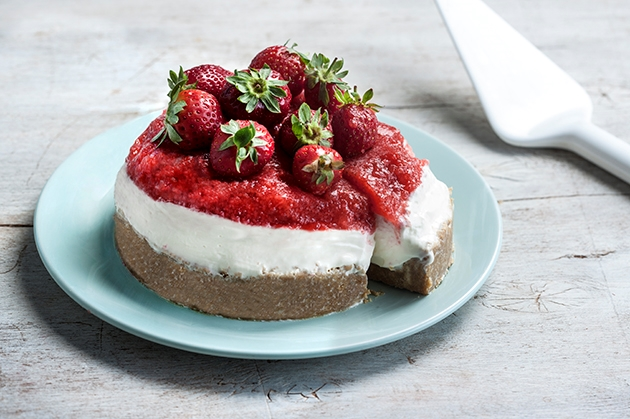 Cheesecake με ζελέ φράουλα