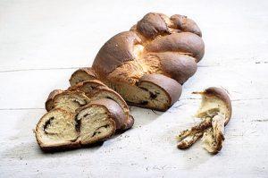 Τσουρέκι νηστίσιμο με σοκολάτα-featured_image