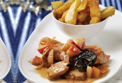 Χοιρινά μενταγιόν με σάλτσα μήλου και δαμάσκηνου και κρέμα γάλακτος-featured_image