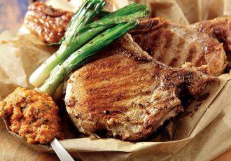 χοιρινά μπριζολάκια στα κάρβουνα συνταγες για μπαρμπεκιου bbq